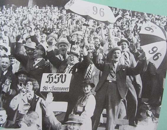 Fans von Hannover 96 feiern den Meistertitel 1938. Foto: Hannover96.de